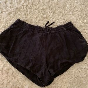 Volcom women black elastic short